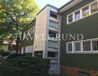 Schöne 4 Zimmer Eigentumswohnung  mit Balkon und Loggia –  Berlin-Wilhelmstadt / umgeben von Wasser