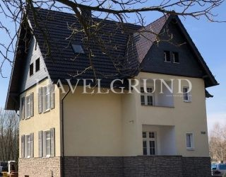 Mehrfamilienhaus & Wohn– und Gewerbegrundstück auf 2.200 m² in Falkensee nahe Bahnhof